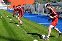 Do společného tréninkového procesu se včera zapojili jihlavští fotbalisté.