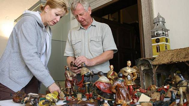 Zrestaurovaný betlém roste v těchto dnech v prostorách telčského muzea. Každou figurku bylo nutné prohlédnout a opravit. Do konce týdne by měl být sestaven.