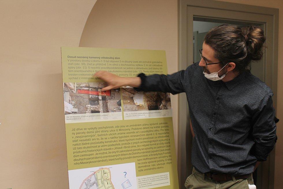 Archelog Šimon Kochan hovořil o historii místa.