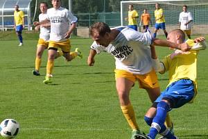 Luka (v bílém) porazila doma Bohdalov.