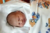 Simona Hodboďová, tak se jmenuje první miminko jihlavské nemocnice. Na snímku se sestřičkou.