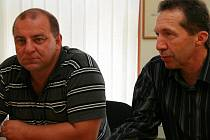 Radek Vovsík (vlevo) měl zajistit pro ODS udržení křesel na jihlavské radnici. Nyní drží trumfy spíš primátor Jaroslav Vymazal, ale Vovsíkova kauza může zasáhnout i jeho.