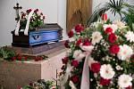 Pohřeb československého hokejového útočníka Jana Hrbatého.