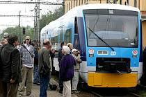 Moderní motorový vlak Regio–Shuttle od společnosti Stadler, který bude během příštích tří let převážet cestující i na Vysočině.