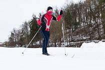 Běžkaři v jihlavském lesoparku Heulos.