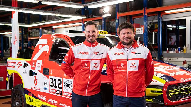 Osvědčená dvojice, navigátor Viktor Chytka (vlevo) a pilot Martin Prokop. Foto: MP-Sports