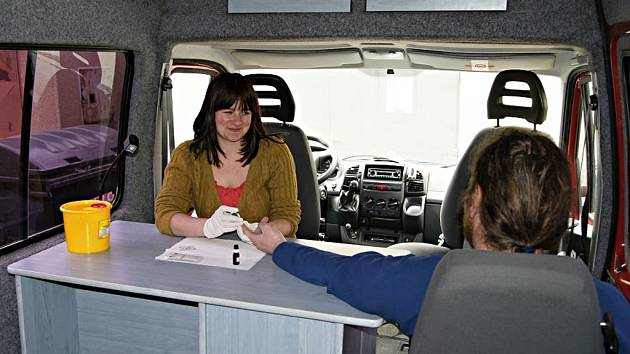 Centrum U Větrníku neboli Káčko v Jihlavě funguje patnáct let. Denně poskytne službu asi sedmnácti drogově závislým. Nejvíce je mezi nimi uživatelů pervitinu.