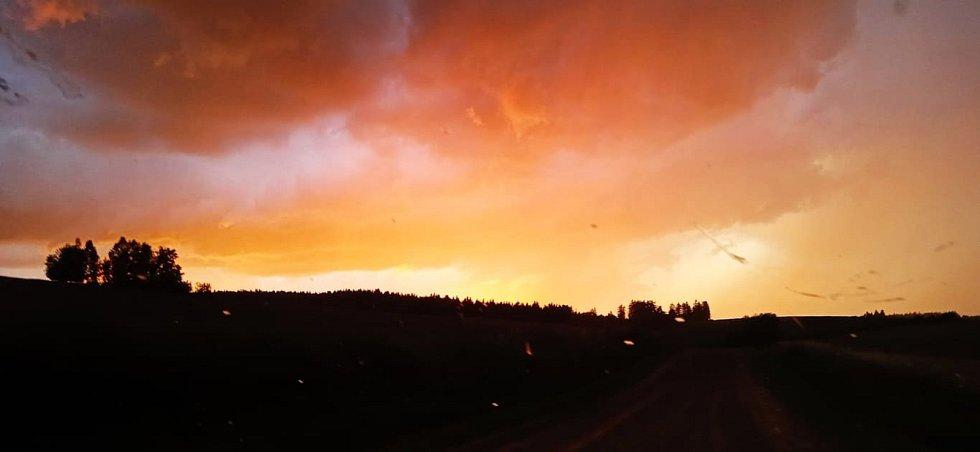 Bouřkové nebe v Třešti.