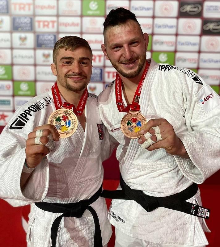 Olympijský vítěz a mistr světa Lukáš Krpálek (vpravo)