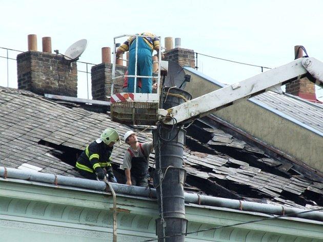 V jihlavské Třebízského ulici hořel v noci na úterý 9. června dům.