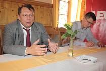 Jiří Paroubek ve středu v Jihlavě prohlásil, že strana NS-LEV 21, v jejímž čele stojí, chce získat v příštích volbách osm až deset procent hlasů.