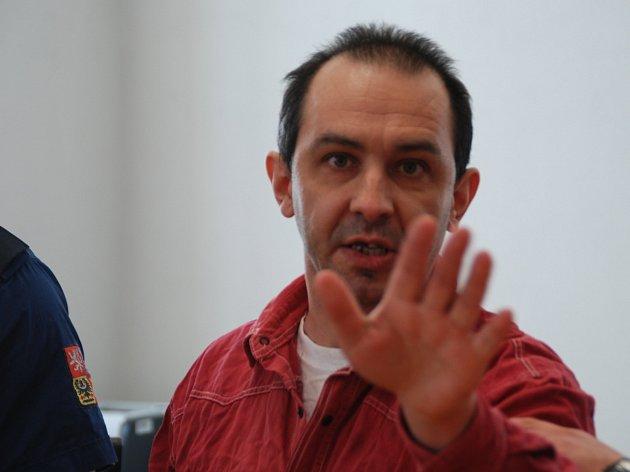 Vladimír Pejchal se u soudu snažil hájit všemožným osočováním druhých. Několikrát změnil obhájce.