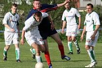 Fotbalisté Rantířova jsou sice v tomto momentu v početní převaze, ale na hřišti kralovala Stará Říše. Soupeře deklasovala pěti góly.