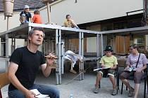Letní divadelní projekty. Herec Jakub Škrdla.