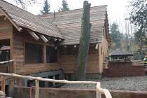 Pavilon Asie vyrostl z rozvalin khmérského chrámu. Budou ho obývat giboni, erbovní zvířata zoo.