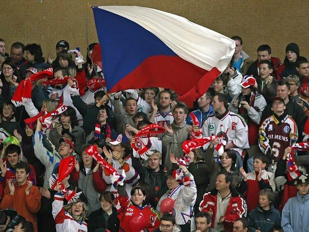 V hokejovém prostředí mají v kraji nejhorší pověst fanoušci třebíčské Horácké Slavie. Riziková jsou hlavně utkání s brněnskou Kometou a jihlavskou Duklou. Na fotbalových stadionech zůstává jen u slovních výlevů.  Ilustrační foto.