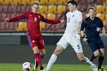 Po postupu do Premier League se Matěj Vydra (v červeném) začne chystat na ME do 21 let.