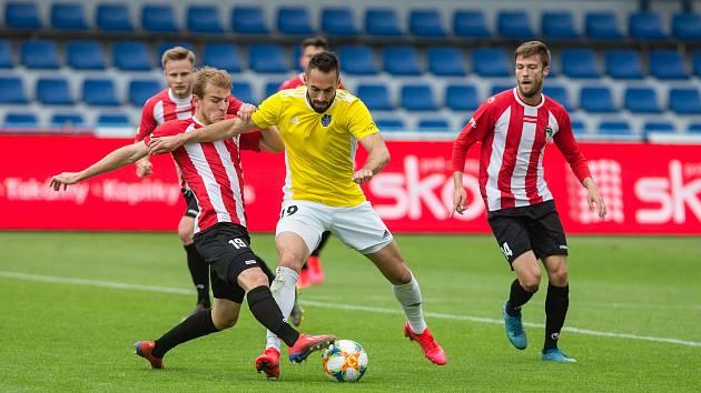 Fotbalové utkání 24. kola FNL mezi FC Vysočina Jihlava a FK Viktoria Žižkov.