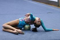 Jihlavská gymnastka Denisa Plassová si v Polsku odbyla premiéru v juniorské elitní kategorii, v pětatřicetičlenném startovním poli obsadila šestnácté místo.