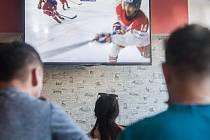 Hokejový fandové zaplnili Pivní ráj v Jihlavě.