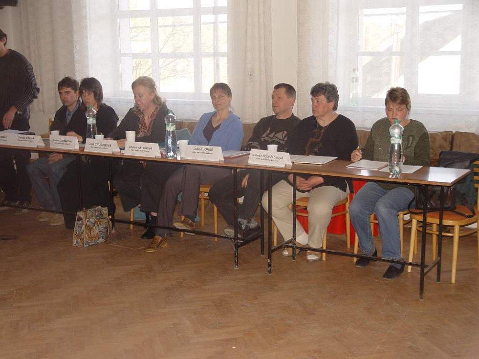 Zasedání o skládce ve Vyskytné v Jiříně.