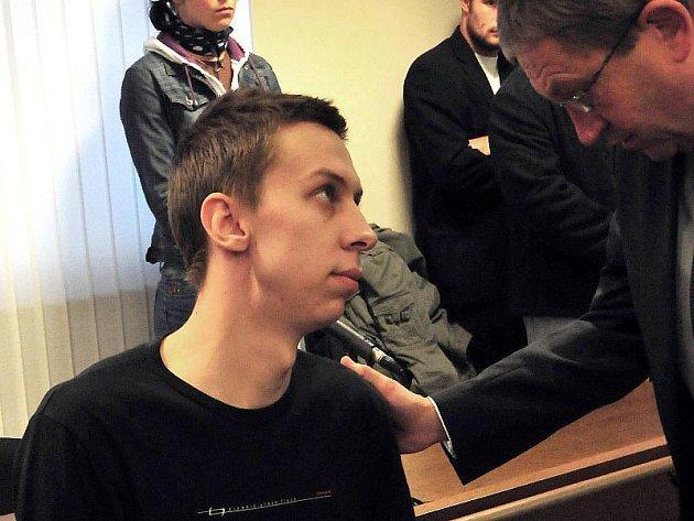 Jednadvacetiletý Jakub Heppner před Krajským soudem v Hradci Králové.
