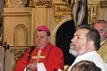 Slavnostní mši celebroval královéhradecký biskup.