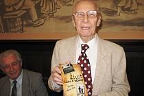 Oldřich Zelený, autor knihy Život kluka z hájenky