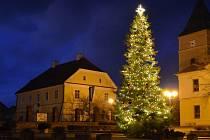 Vánoční strom v Mohelně.