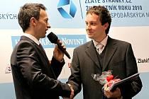 Mezi firmami v kraji získala letos prvenství společnost Neosolar. Cenu převzal jednatel Jiří Zeman (vpravo).