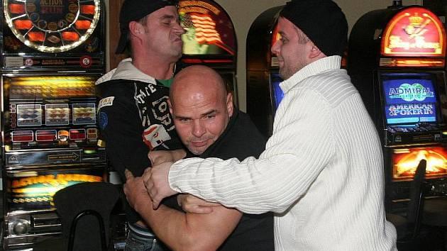 Spíše hospodská rvačka se nakonec vyklubala z incidentů dvou známých mužů. Ilustrační foto.