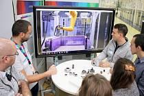 Bosch představil studentům firmu, výrobu a moderní automobilové technologie