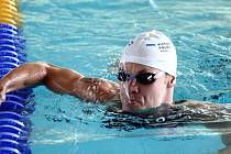 """Tomáš Fučík by se v závodě na 200 m polohově rád dostal do semifinále, jeho cílem však je zaplavat český rekord, a to i ve znakařské stovce. """"Pokud Tomáš zaplave čas podle svých představ, nebude řešit, jestli skončí dvacátý, nebo pětatřicátý,"""" potvrzuje j"""