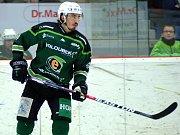 Hokejisté HC Energie (v zeleném) hostili Jihlavu. Martin Kohout