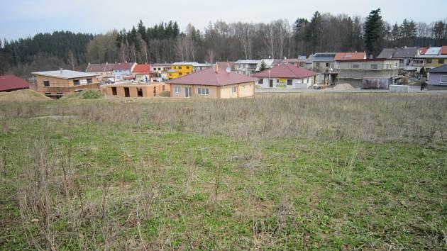 Z celkem 46 pozemků určených pro výstavbu rodinných domů je jich v Heleníně 26 prodaných.