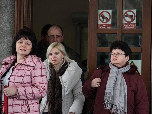 Rodinní příslušníci dvou mrtvých mladíků ve středu odcházeli od soudu s pocitem úlevy. Po pěti letech se dočkali pravomocného rozsudku. Petr Řezanina byl odsouzen.