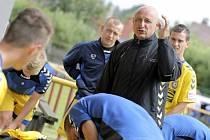 Trenér Roman Kučera působí u mládežnických a juniorských týmů Vysočiny téměř třináct let, několik sezon vedl i B tým Jihlavy v MSFL. V sobotu poprvé usedne na lavičku ligového áčka v souboji s pražskou Slavií.