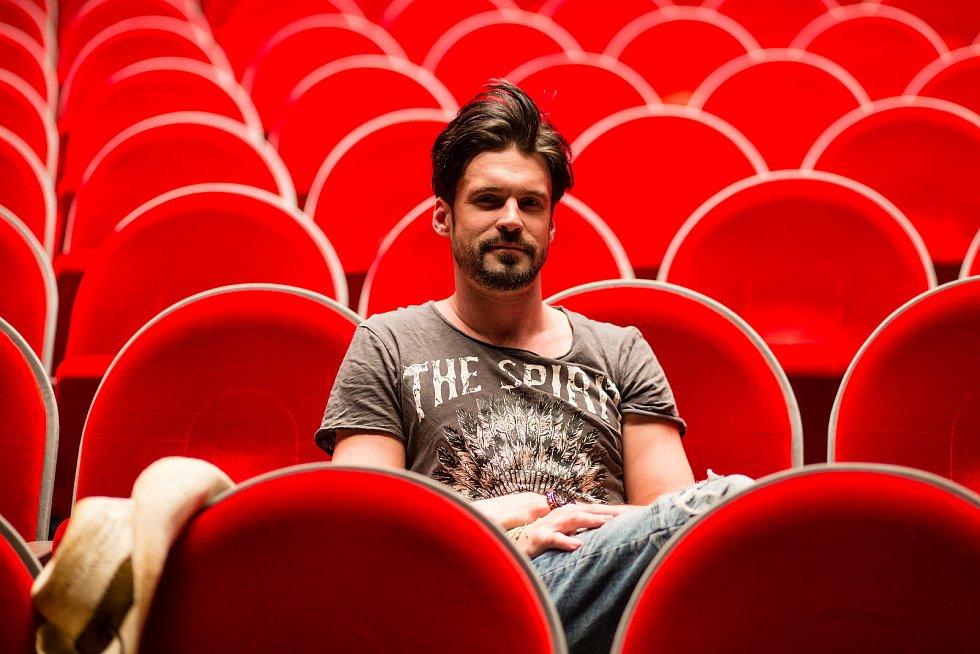 Jan Burda, herec Horáckého divadla Jihlava.