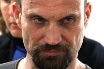 Radim Šibrava vystudoval gymnázium. Nyní je patologický hazardní hráč. Od roku 1997 má v rejstříku trestů dvanáct záznamů.