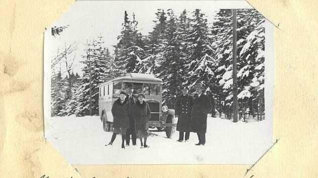 Jak dokazuje dobová fotografie, například 31. března 1931 bylo sněhu stále dost.