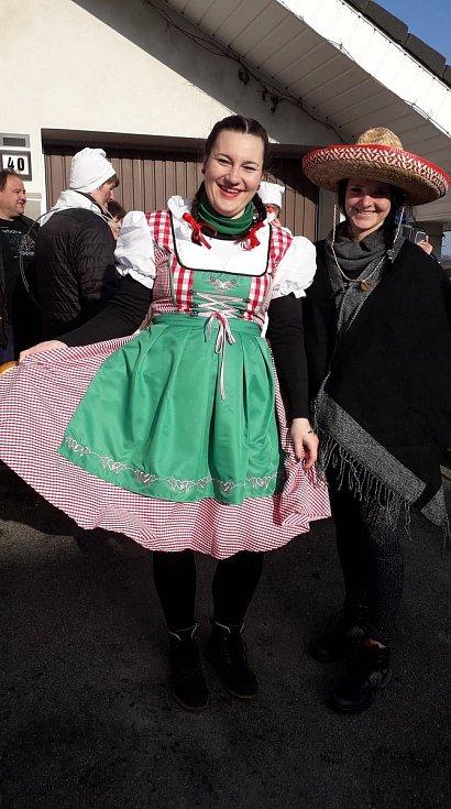 Masopustní průvod v Bezděčíně.