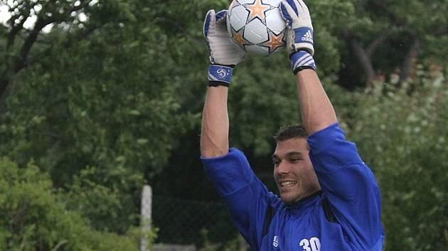 Gólman Jan Vojáček se představí v zápase FC Vysočina proti Trenčínu.