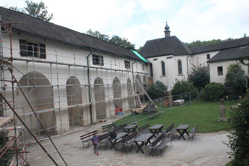 Po čtyřech letech skončila rekonstrukce hradu Roštejn. Návštěvníky už nebudou rušit dělníci, těšit se mohou na nová lákadla.