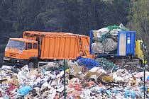 Množství odpadů na skládkách roste téměř přímo úměrně růstu životní úrovně společnosti. Jediným řešením jak zamezit jejich dalšímu růstu je právě třídění odpadů.