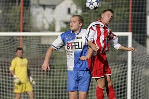 Fotbalisté Sapeli Polná (v modrobílém), ilustrační foto.