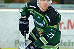 Hokejisté HC Energie (v zeleném) hostili Jihlavu. Daniel Krejčí