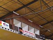 Vnitřek starého stadionu je zas o něco modernější.