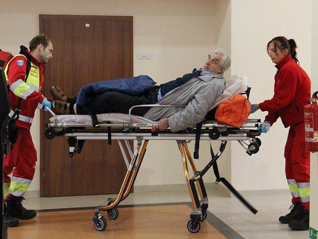 František Fiala si ve středu vyslechl rozsudek. Poté upadl na zem a z budovy jej odvezli záchranáři.