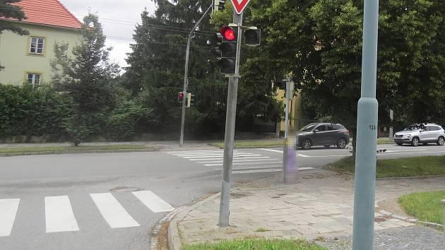 Dvanáctiletý chlapec byl sražen mezi ulicemi Jiráskova a Hamerníkova.