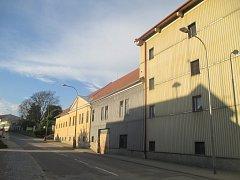 Nevyužitý objekt. Bývalý pivovar v Třešti už léta hledá využití, nyní se nabízí projekt domova pro seniory.